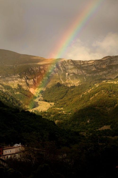 Le Stanze delle Fate sfiorate dall'arcobaleno